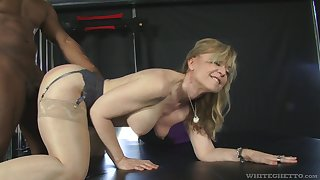 Fit fat bottomed GILF Nina Hartley cannot say thimbleful to a big black cock