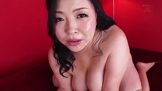 Beauty mom wants to exotic adventure