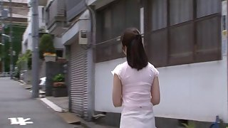 Busty grown-up Japanese slut Homare Momono spreads will not hear of legs for sex