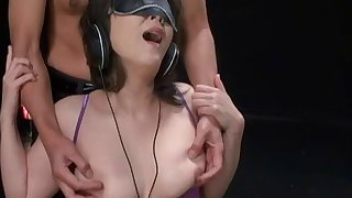 Japanese model tries listening to music while having her hole fingered