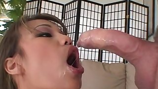 Lucy Thai realize fucked adjacent to soaked pussy by huge cock